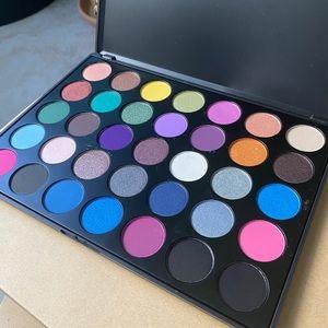 Morphe brushes 35S eyeshadow palette